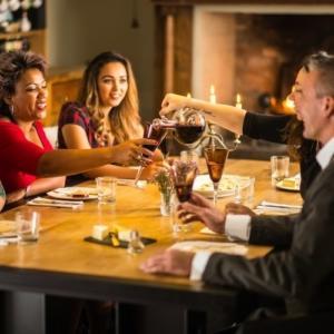 Ironfire oak dining table -gezellig