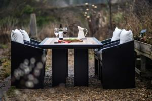 Garden table for your home